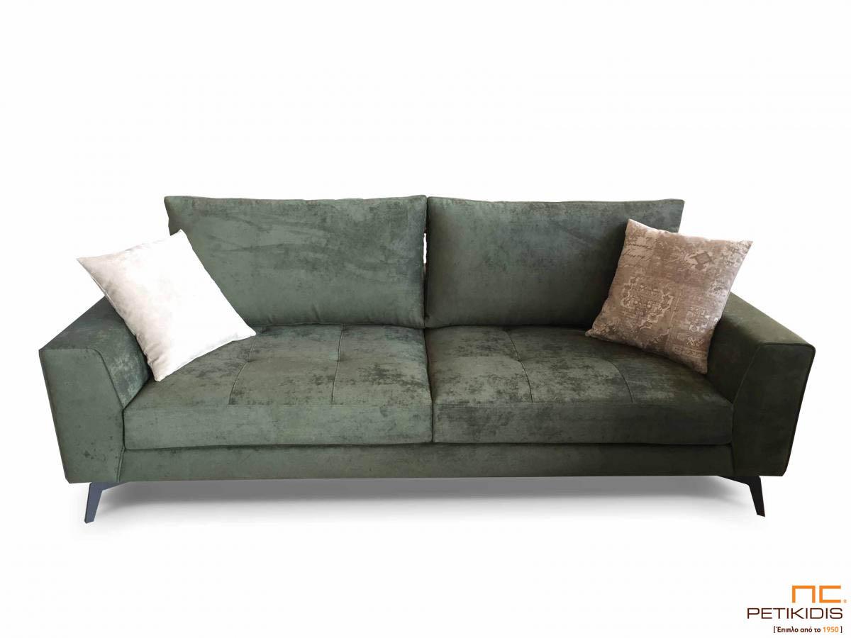 Καναπές Flamingo με μεταλλικά πόδια και καπιτονέ μαξιλάρι καθίσματος και ύφασμα βελούδο σε πράσινους τόνους αλέκιαστο και αδιάβροχο.