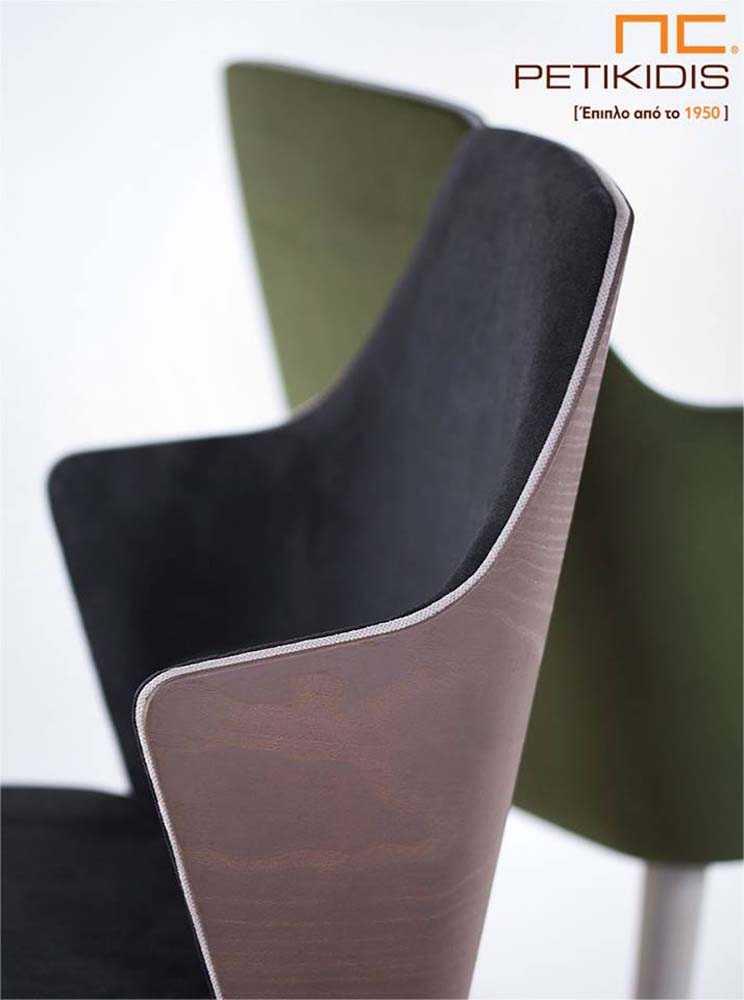 Καρέκλα Lilla με ξύλινα πόδια και ύφασμα αδιάβροχο στο κάθισμα και την πλάτη. Διαθέτει ιδιαίτερες λεπτομέρειας στην ραφή και διχρωμία στο ρέλι σε πράσινους τόνους. Παράγεται και με τη δυνατότητα εμφανή ξύλο στην πλάτη.