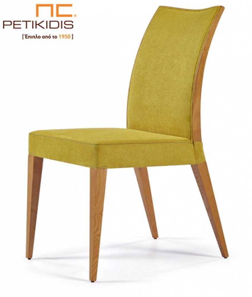 Καρέκλα Νο159 με ξύλινη λεπτομέρεια στο πλάι της πλάτης και μασίφ ξύλο στα πόδια. Το ύφασμά της είναι σε έντονο κίτρινο χρώμα αδιάβροχο αλέκιαστο.