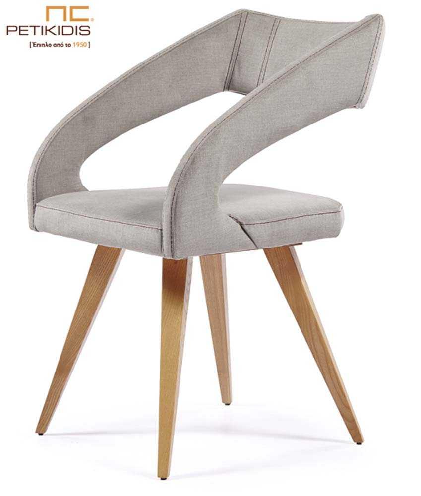 Καρεκλοπολυθρόνα Νο239 με πόδια από μασίφ ξύλο δρυς. Το κάθισμα, η πλάτη και τα μπράτσα από λευκό ύφασμα αλέκιαστο και αδιάβροχο.