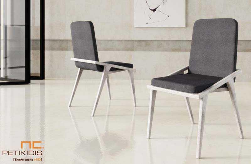 Καρέκλα Νο250 με σκελετό από μασίφ ξύλο δρυς.Το ύφασμα στο κάθισμα και την πλάτη είναι σε γκρι αποχρώσεις αδιάβροχο και αλέκιαστο.