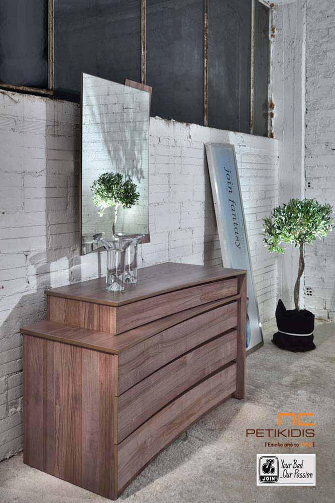 Τουαλέτα και καθρέπτης κρεβατοκάμαρας Ιοκάστη της join σε ξύλο ελιάς.