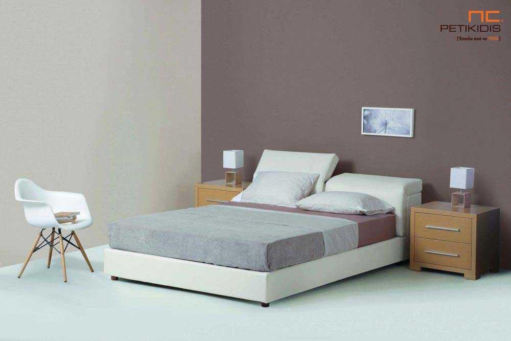 Υφασμάτινο κρεβάτι Nuovo της Linea Strom σε εκρου ύφασμα μονόχρωμο αλέκιαστο και αδιάβροχο. Στο κεφαλάρι διαθέτει μηχανισμούς ανάκλησης για μεγαλύτερη άνεση.