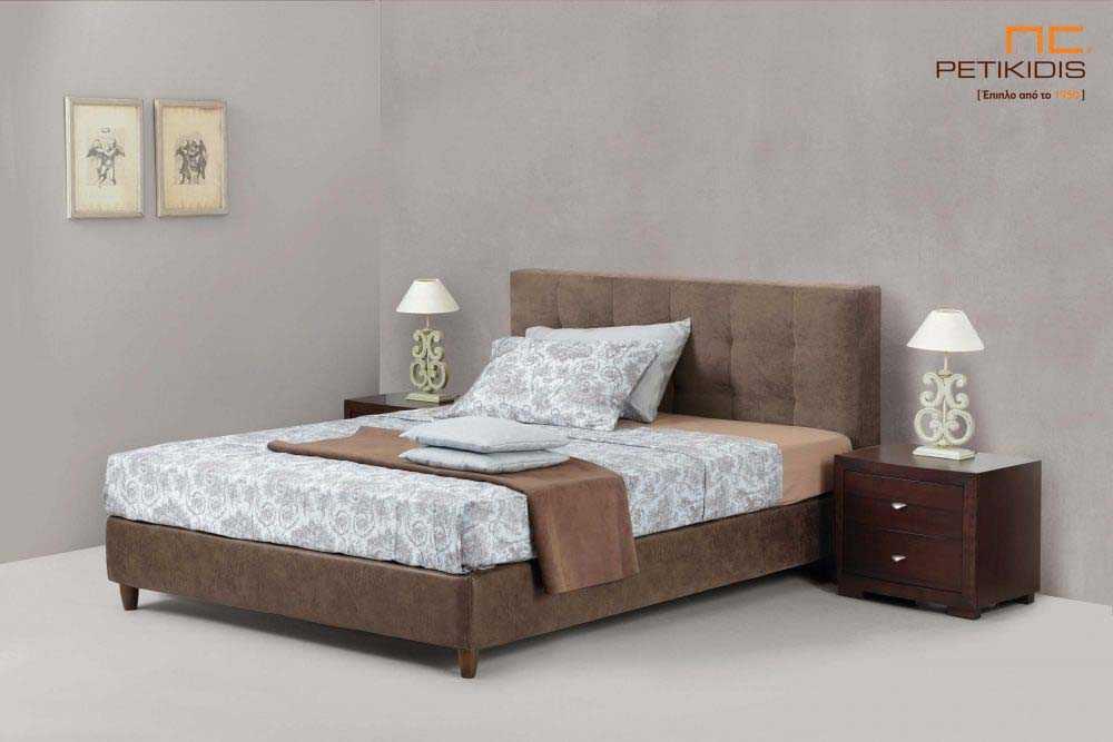 Υφασμάτινο κρεβάτι Vittoria της Linea Strom σε μονόχρωμο αλέκιαστο και αδιάβροχο ύφασμα.Το ύφασμα είναι αποσπώμενο και από τη βάση και από το κεφαλάρι. .