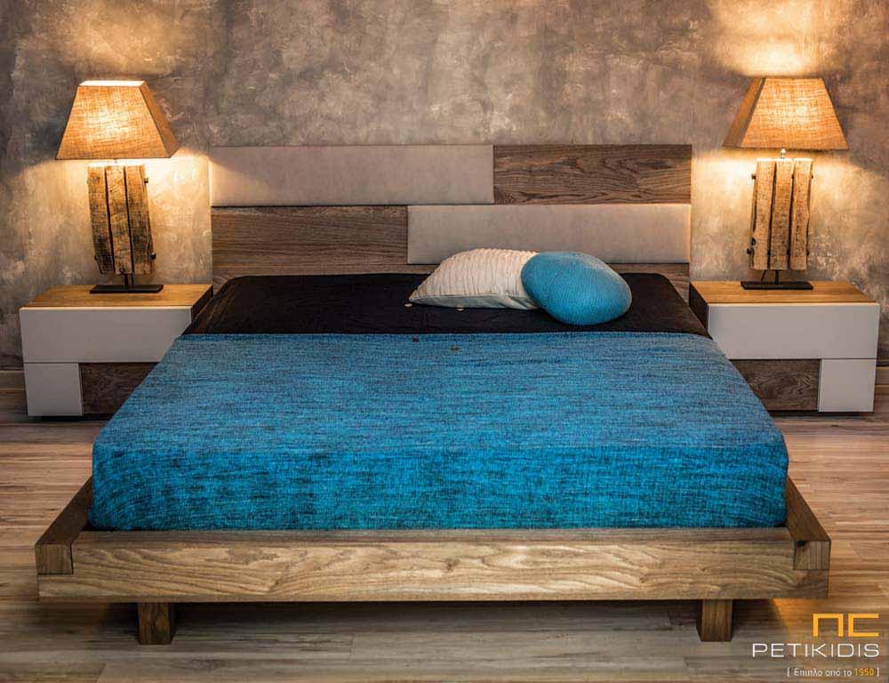 Κρεβατοκάμαρα New wood σε ξύλο δρυς ρουστίκ και λεπτομέρειες στο κεφαλάρι από τεχνόδερμα και λάκα στα συρτάρια των κομοδίνων.