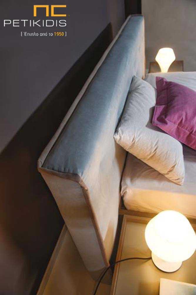 Κρεβατοκάμαρα Sirit σε ξύλο δρυς με διακοσμητική λάκα στα συρτάρια. Υφασμάτινο κεφαλάρι ΜΕ αλέκιαστο και αδιάβροχο ύφασμα. Λεπτομέρεια κεφαλαριού.