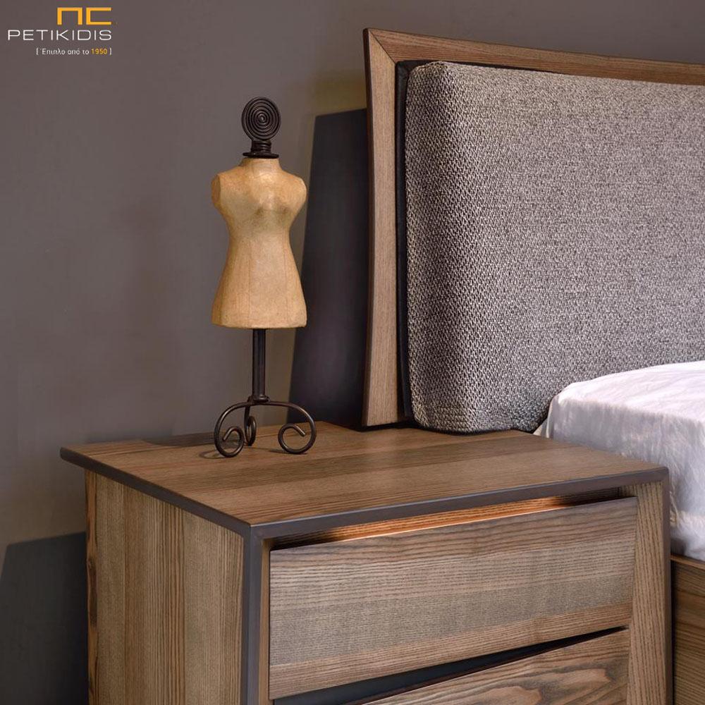 Μοντέρνα Κρεβατοκάμαρα Melira με Φωτισμό στα Κομοδίνα σε ξύλο ελιάς και υφασμάτινο κεφαλάρι. Λεπτομέρεια κομοδίνου.