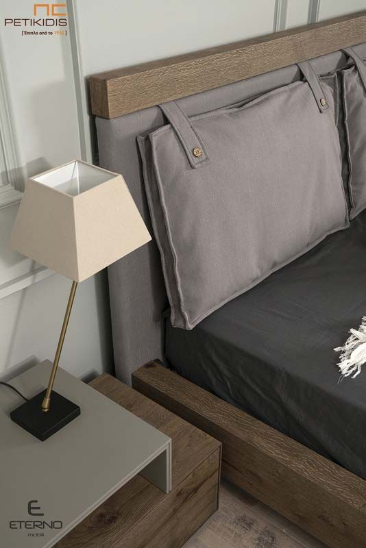 Κρεβατοκάμαρα Stone με Τουαλέτα από Ξύλο Δρυ Λάκα - Υφασμάτινο Κεφαλάρι Λάκα
