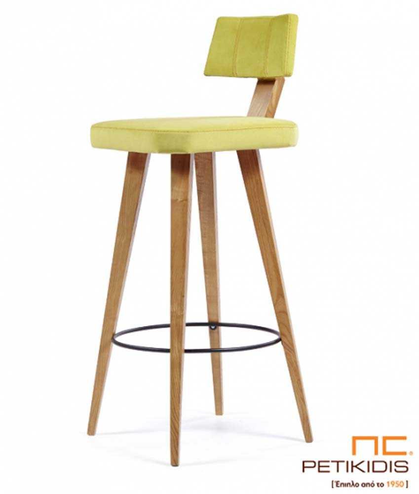 Σκαμπό Νο197 με βάση από μασίφ ξύλο δρυς και ύφασμα σε κίτρινο χρώμα αλέκιαστο και αδιάβροχο. Διαθέτει πλάτη για μεγαλύτερη άνεση.