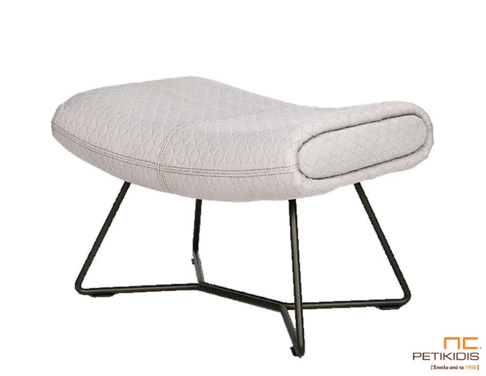 Υποπόδιο για την πολυθρόνα Boss με μεταλλικά πόδια σε άκρως μοντέρνο σχεδιασμό για απόλυτη άνεση σε συνδυασμό με την αισθητική.