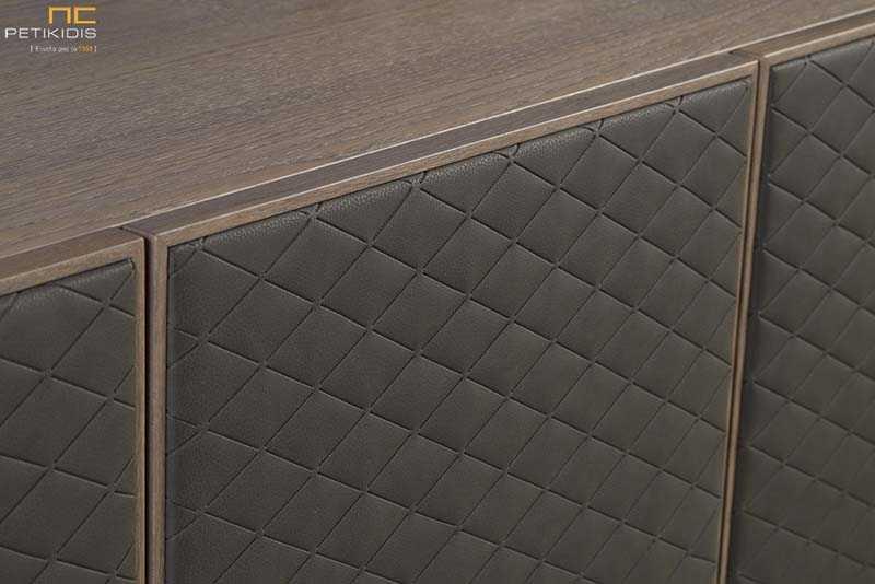 Μπουφές Must από ξύλο δρυς ρουστίκ με μεταλλικά πόδια.Λεπτομέρεια πόρτας.