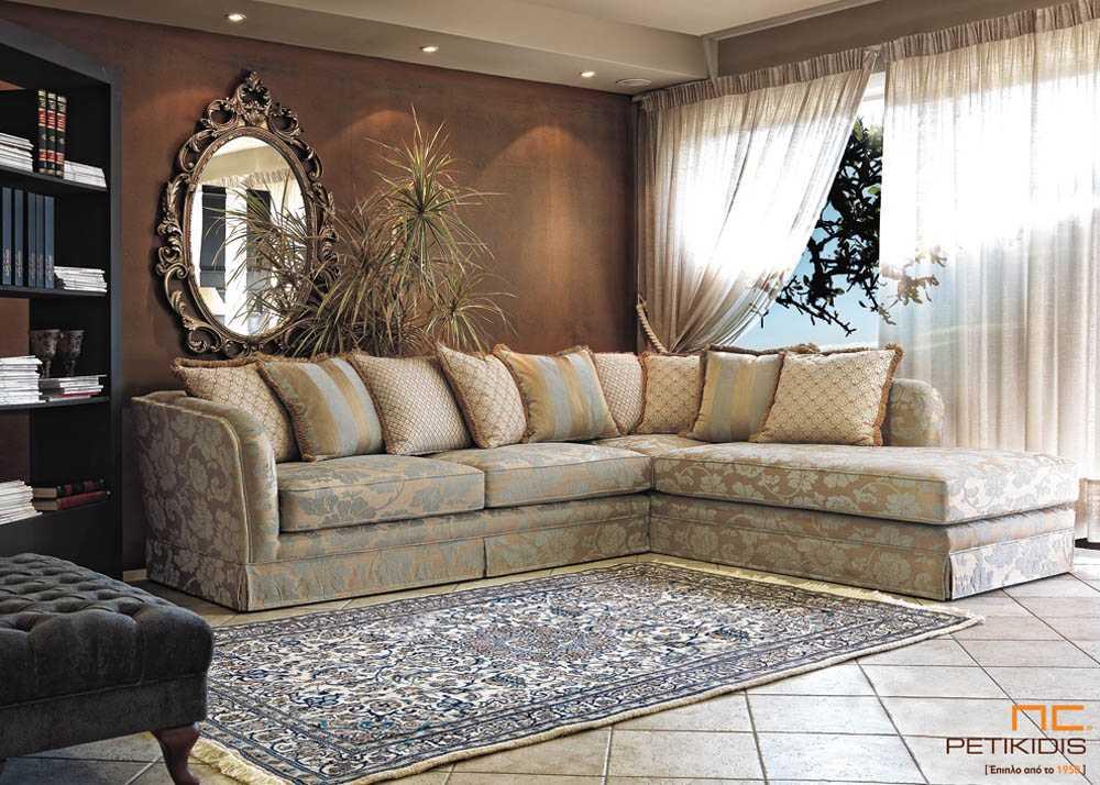 Σαλόνι γωνία Camelia σε κλασικό ύφος με παταχτά μαξιλάρια πλάτης και ύφασμα σε βεραμάν χρώμα με χρυσές πινελιές σε σχέδιο λουλουδιών.