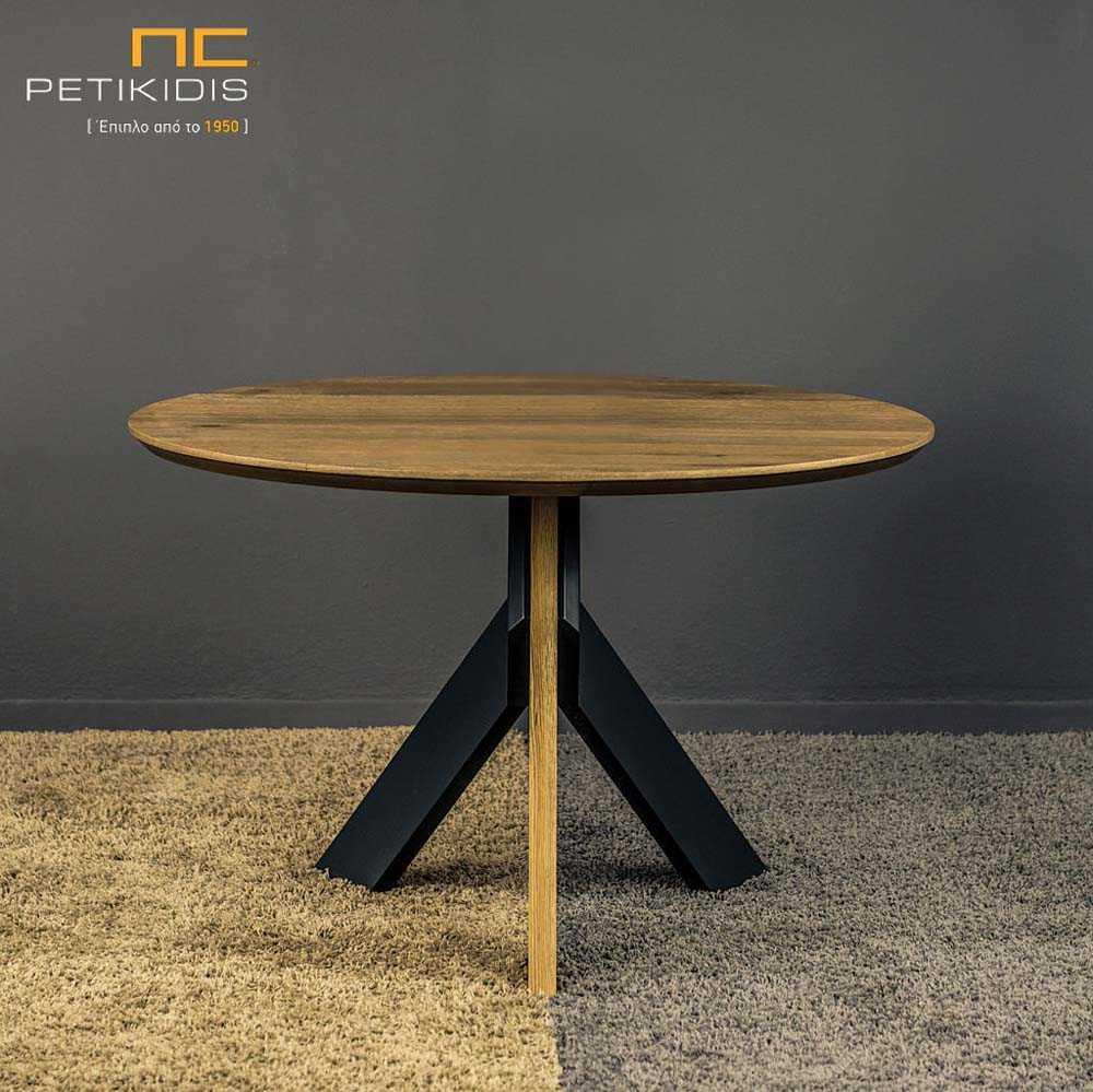 Τραπέζι ροτόντα Flex από ξύλο ρουστίκ δρυς με λεπτομέρειες στα πόδια λάκα. Λεπτομέρεια ποδιών.