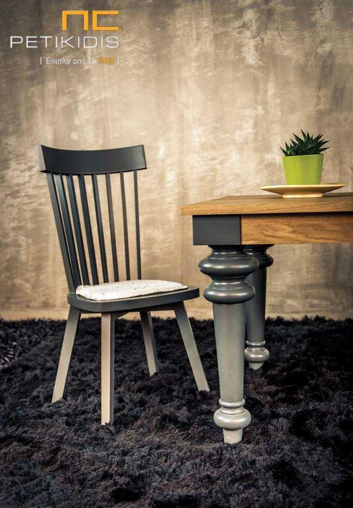 Τραπεζαρία Genova από ξύλο ρουστίκ δρυς και πόδια από λάκα σε vintage ύφος.Λεπτομέρεια. Καρέκλα Albero σε λάκα ματ.