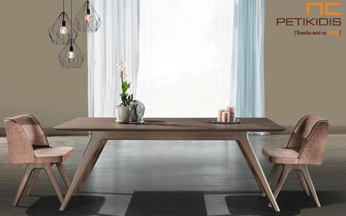 Τραπέζι Prime σε ξύλο δρυς με δυνατότητα προέκτασης.