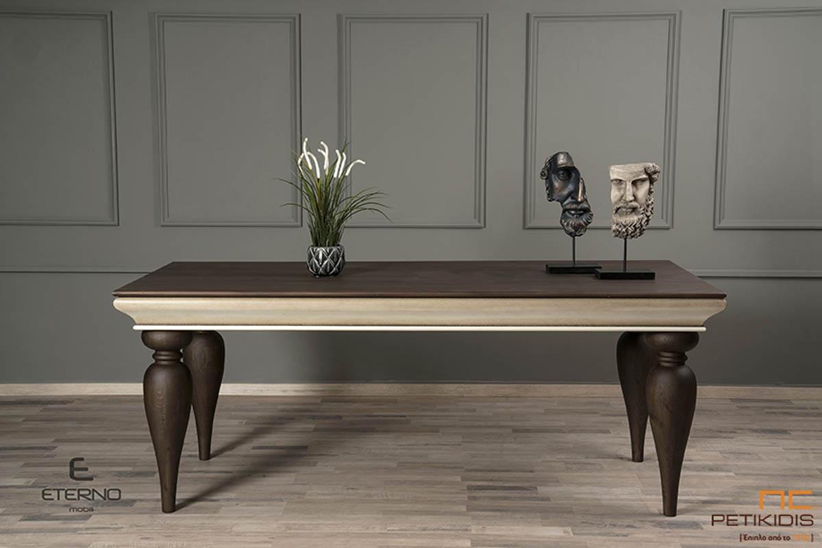 Τραπέζι Princess από ξύλο δρυς επεκτεινόμενο. Διαθέτει κορνίζα σε ασημί πατίνα και μασίφ δρύινα στρογγυλά πόδια.