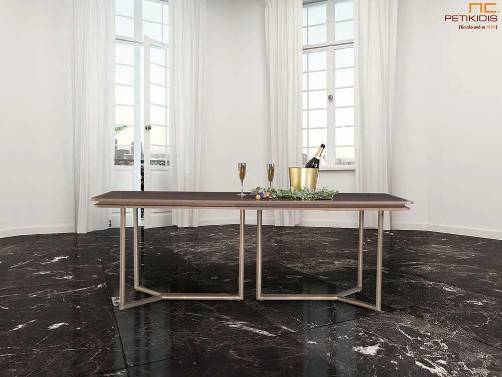 Τραπέζι Vendome από ξύλο δρυς με κεραμικό καπάκι και μεταλλικά πόδια.