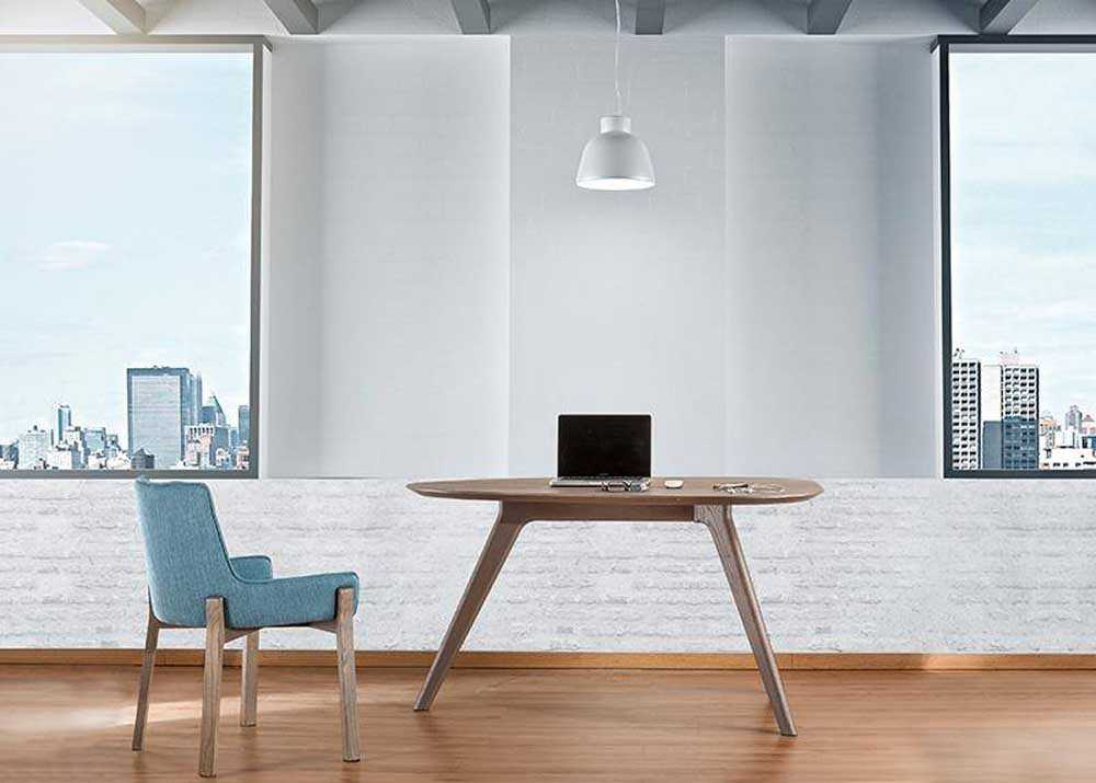 Γραφείο Prime από ξύλο δρυς με ιδιαίτερο σχεδιασμό. Το περίτεχνο σχήμα του δίνει μία ξεχωριστή νότα στο χώρο.