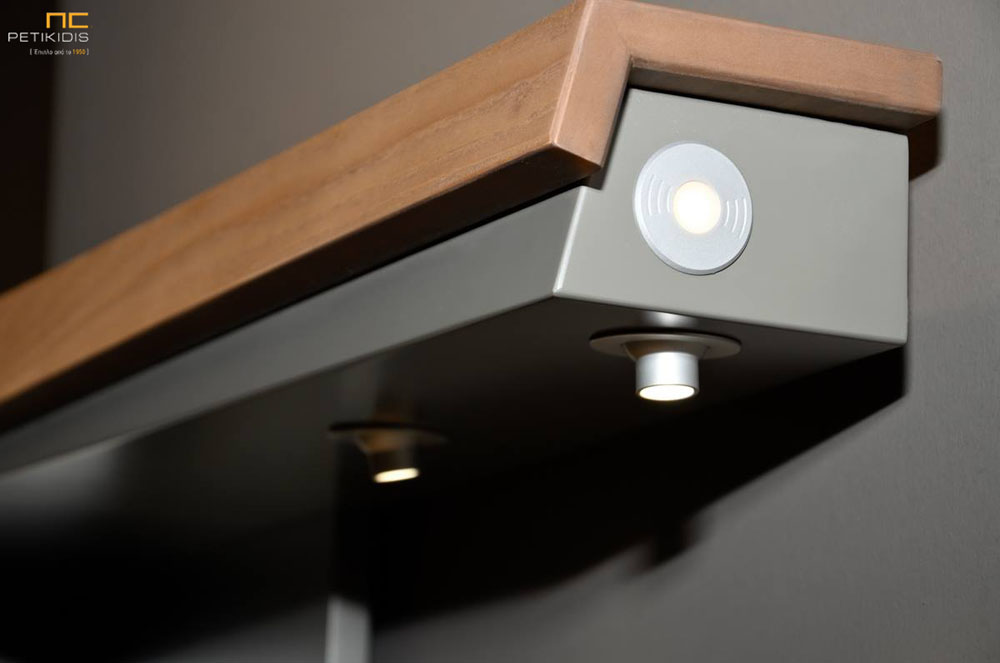 Γραφείο Join Sara Λάκα με Φωτισμό & Συρτάρια/Ράφια
