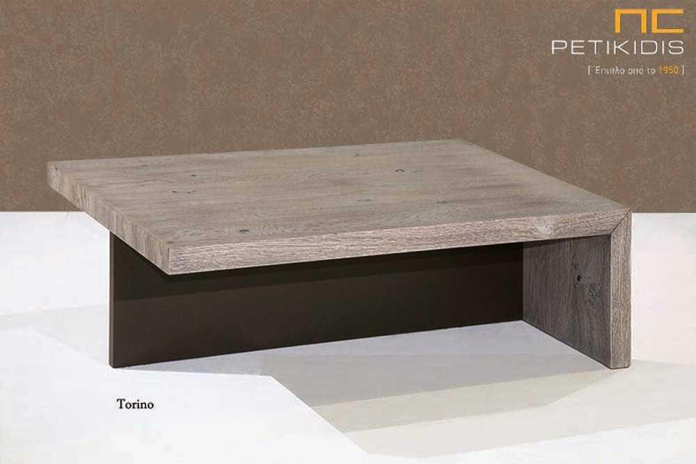 Τραπεζάκι σαλονιού Torino από ξύλο δρυς και λεπτομέρεια λάκας.
