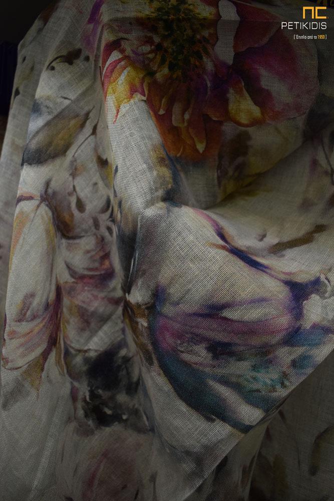 Κουρτίνα σε μπεζ λινό ύφασμα με λουλούδια σε διάφορους χρωματισμούς (κωδ. ΚΡΤ275)