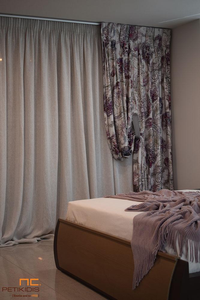 Κουρτίνα από λινό εκρού ύφασμα και διακοσμητικό λαχούρι σε εκρού και μοβ αποχρώσεις (κωδ. ΚΡΤ277)