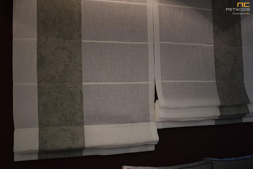 Κουρτίνα ρόμαν σε λευκό λινό ύφασμα με ραμμένη ρίγα από γκρι λαχούρι (κωδ. ΚΡΤ278)