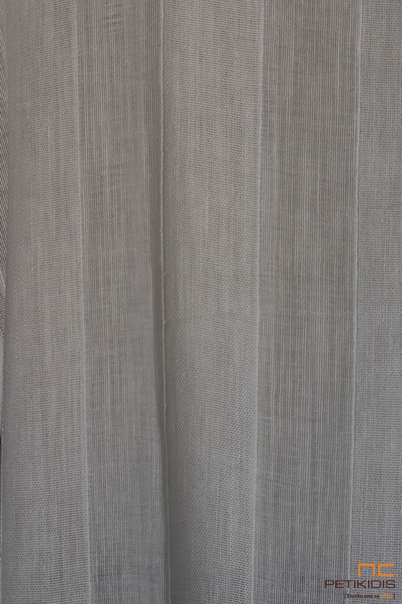 Κουρτίνα λεπτή λευκή ΝοCAZ01/01 με ρίγες από διαφορετική πλέξη σε μοντέρνο minimal ύφος. Το φάρδος της είναι 2,80μ και η σύνθεσή της είναι 31% βαμβάκι και 71% λινό.