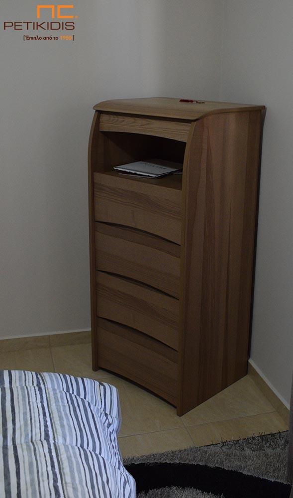 Ρουστίκ Συρταριέρα